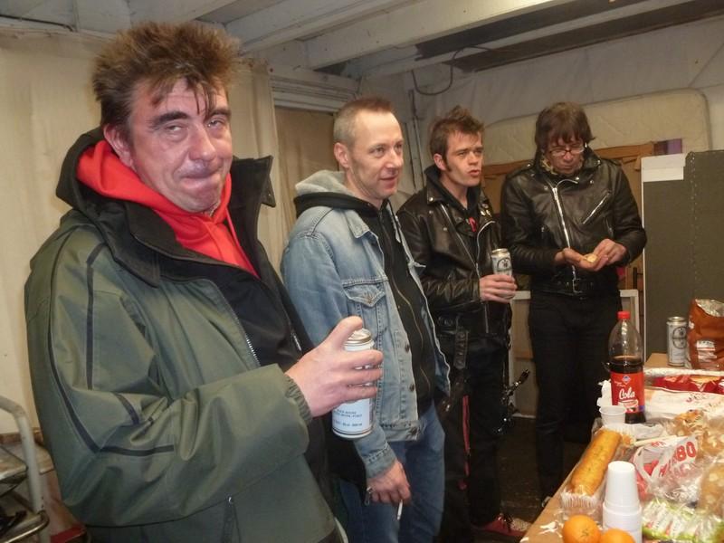 Brigitte Bop à la miroiterie avec Garage Lopez et Prouters