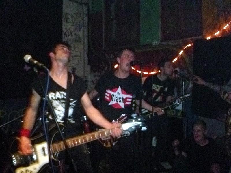 Brigitte Bop en concert à la miroiterie avec Garage Lopez et Prouters